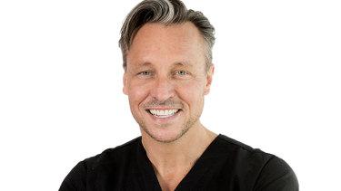 Surgeon Dr William Mooney.