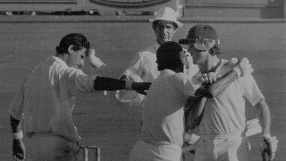 Umpire opens up on controversial 1987 call that still rankles NZ