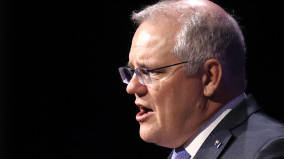 Morrison takes aim at maritime union over Sydney port dispute