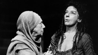 Judith Anderson (left) as the Nurse and Zoe Caldwell as Medea in the 1984 production at the Melbourne Theatre Company.