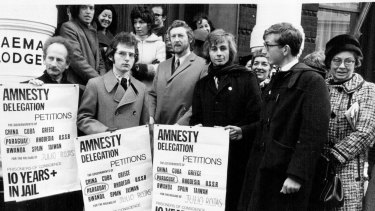 Anthony Grey, bearded in centre, leads a delegation from Amnesty International to the London embassies of countries with long-serving political prisoners in 1971.