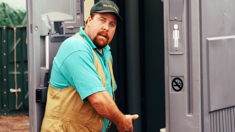 Shane Jacobson in Kenny.