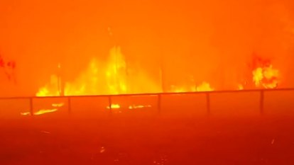 'All gone': Up to 20 properties destroyed in out-of-control bushfire