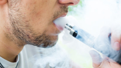 Government launches border crackdown on illegal vaping imports