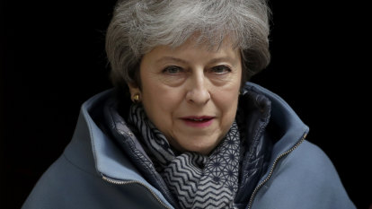 Theresa May gives green light to Huawei role in UK's 5G network