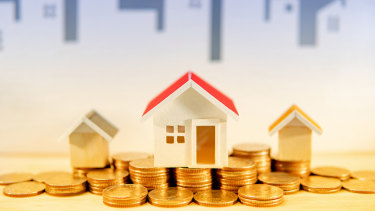 Fixing the interest rate on part of your mortgage can result in immediate savings.