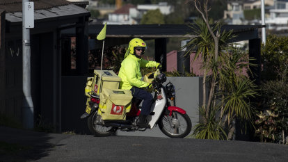 Australia Post underpaid more than 19,000 former staff