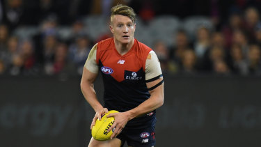 Former Ainslie midfielder Aaron vandenBerg is staying a Demon.