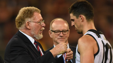 Scott Pendlebury receives the Anzac Medal.