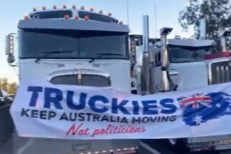 Truck drivers have blocked the M1 southbound on the Gold Coast in protest of mandatory vaccine requirements and lockdown restrictions.
