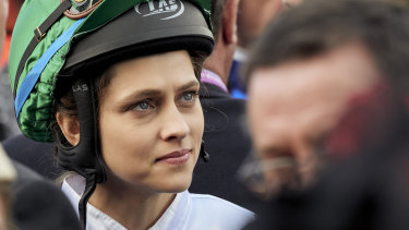 Teresa Palmer as Michelle Payne in Ride Like a Girl.