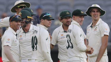 Australia can challenge India for the No.1 Test rankings, says former great Michael Hussey.