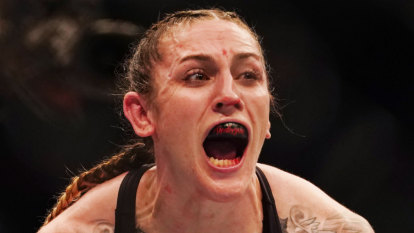 Melburnians turn out in brute force for UFC rumble
