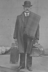 Steve Foley's great-grandfather William Pole Williams, a commercial traveller, setting off from home.