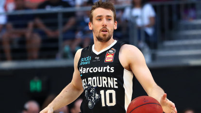 Melbourne United struck by COVID outbreak, 12 players test positive