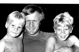 Tom Raudonikis with two of his children, Lincoln, 4, (left) and Simon, 5, in January 1982.