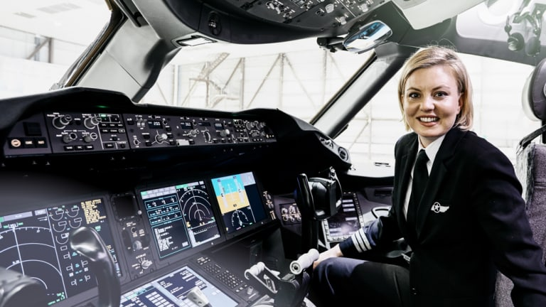 Captain Lauren Smith is in a minority of women who fly commercial airliners in Australia, but she hopes that will change.