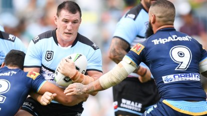 Sharks turn it on against Titans in Gallen's milestone match