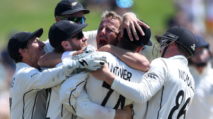 Black Caps rout woeful England in first Test