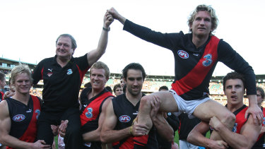 The farewell: Kevin Sheedy and James Hird in 2007.