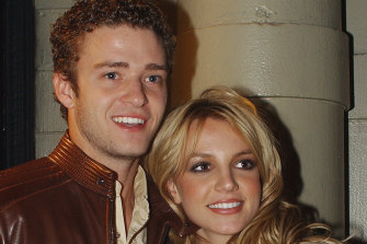 Justin Timberlake has joined other entertainment figures in apologising to Britney Spears for their treatment of her leading up to her breakdown in 2007.