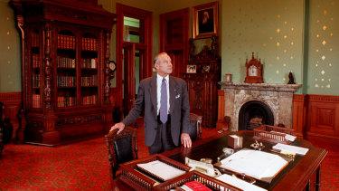 Sir Laurence Street in his Macquarie Street office in 1995.