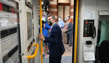 NSW Transport minister Andrew Constance says he's open to speaking with other states and industry figures about local train manufacturing.