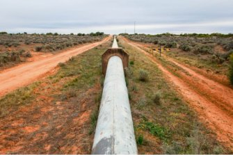The business case for the water pipeline linking Broken Hill to the Murray River shows Northern Basin irrigators were to be among the primary beneficiaries.