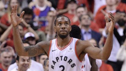 Leonard breaks deadlock as Raptors beat Bucks in double overtime