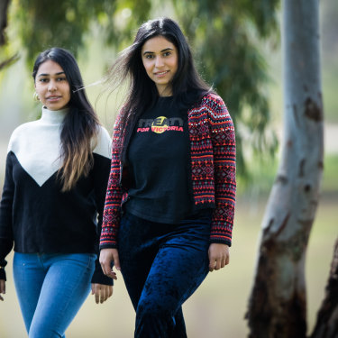 'Let's treat our people like people': Indigenous nurses Shanaz and Naz Rind are helping to test people in Shepparton.