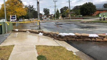 Parts of the road have been seriously damaged by the flood.