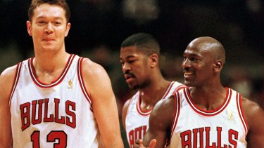 Luc Longley and Michael Jordan pictured in 1997.