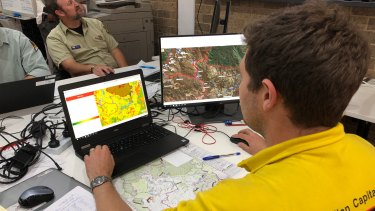 Planning continues at Picton for worsening weather on New Year's Eve that will impact the Green Wattle Creek Fire.