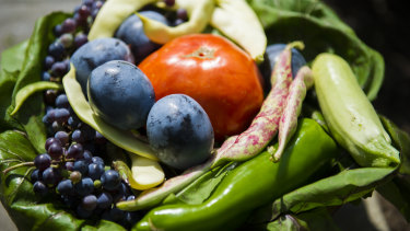 Many shoppers buy vegetables they don't use each week.