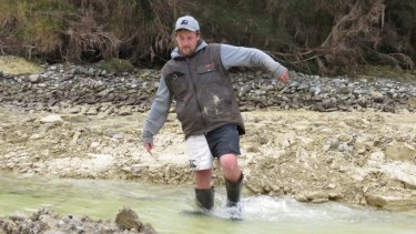 Michaael Johnston, a tractor driver, spotted the moa footprints in a submerged clay bank of an Ottago river.