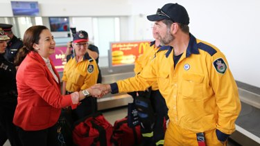 Queensland Premier Annastacia Palaszczuk thanking New South Wales firefighters in Gladstone.