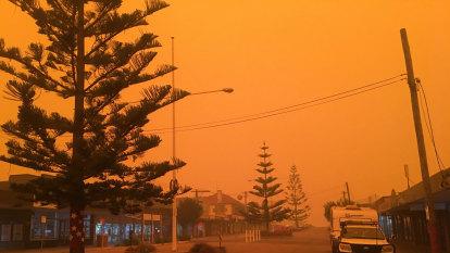 Bushfires spark rethink of long summer break