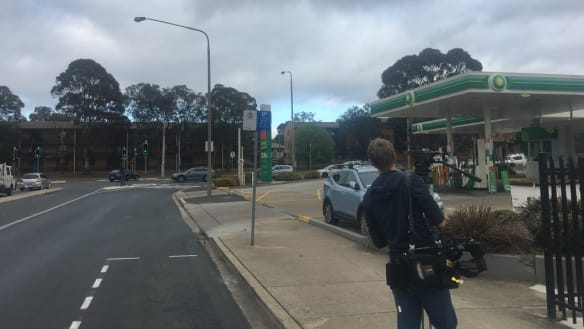 Man taken into custody after incident that closed Melrose Dr in Woden