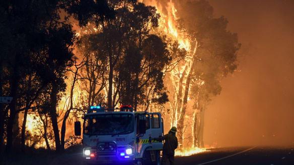 Bushfire threat downgraded in Perth's south