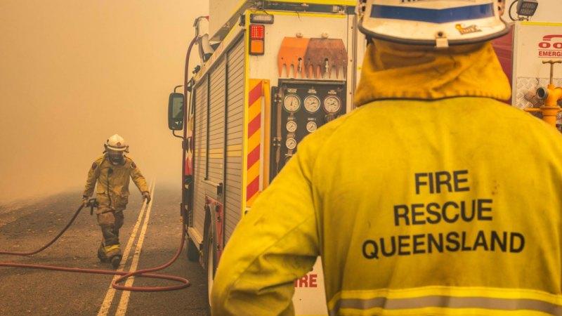 Bushfire threat closes south-east Queensland school