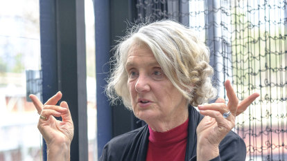 Lynley Dodd reveals the secret of Hairy Maclary