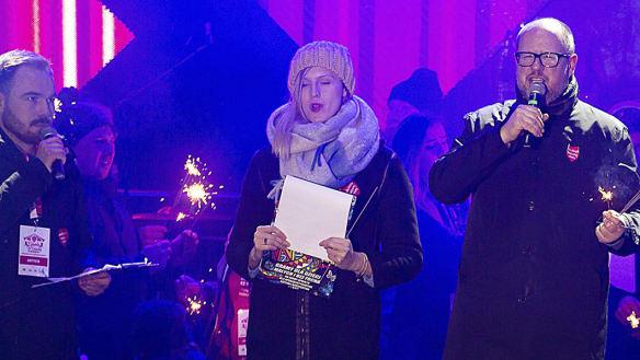 Mayor of Polish city Gdansk stabbed on stage