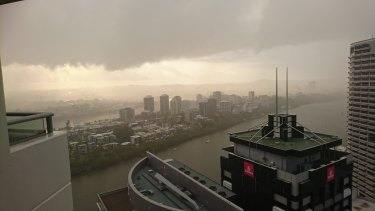 The rain which fell in Brisbane and across the south-east on Friday is set to continue into the weekend, the weather bureau says.