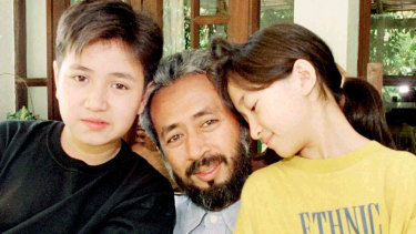Raja Bahrin Shah with his son Iddin [L] and daughter Shahira in 1996.