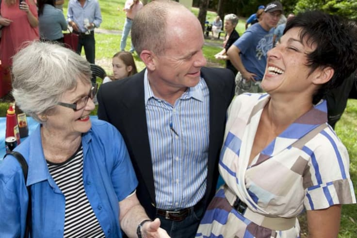 Campbell Newman with his mother Jocelyne Newman, who was a minister in the Howard Government; and wife Lisa Newman (right).