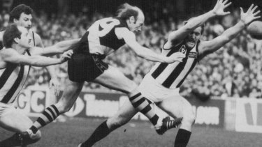 Kevin Bartlett playing his 400th game against Collingwood in 1983.