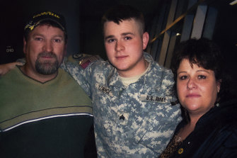 Homecoming for returned soldier US lieutenant Clint Lorance in documentary Leavenworth.