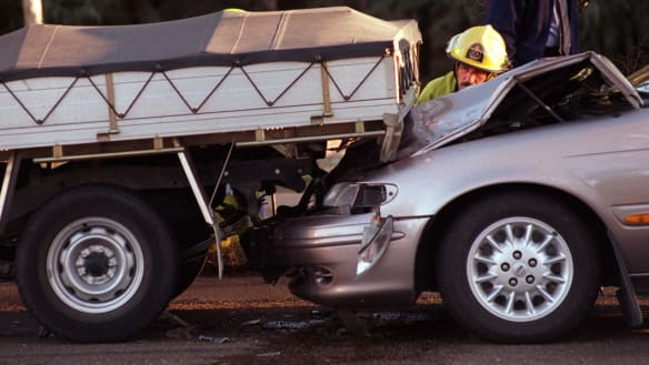 Workers injured on roads will have to choose between insurance schemes