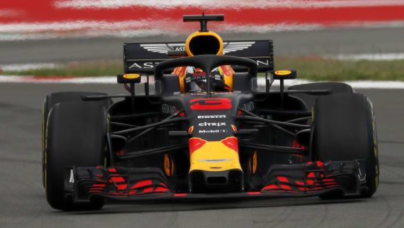 Ricciardo's mid-race woes in 'pretty boring' Spanish GP