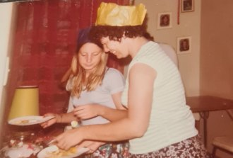 Elaine Johnson, who went missing from Sydney's south when she was 17-years-old, is pictured alongside her mother.